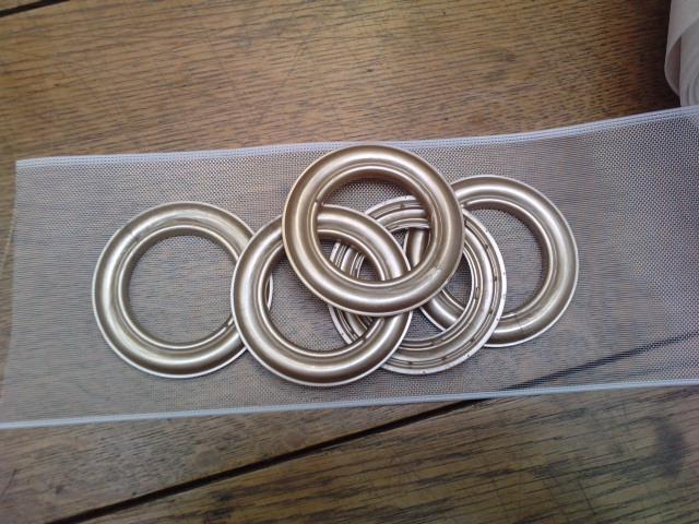Comment poser anneaux pour rideaux la r ponse est sur - Comment mettre des oeillets sur des rideaux ...